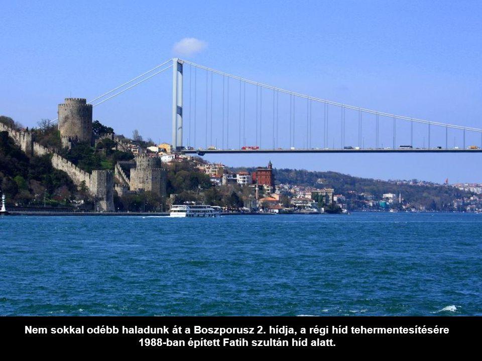 Nem sokkal odébb haladunk át a Boszporusz 2