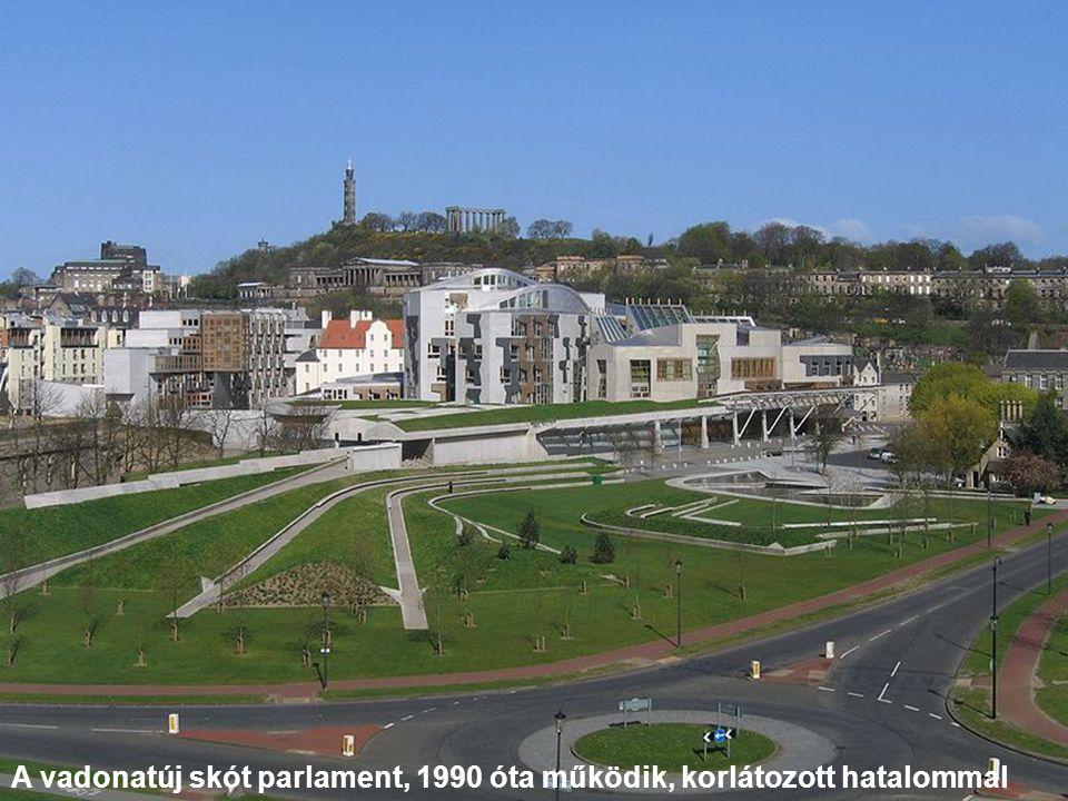 A vadonatúj skót parlament, 1990 óta működik, korlátozott hatalommal