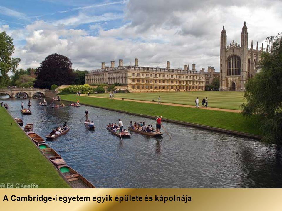 A Cambridge-i egyetem egyik épülete és kápolnája