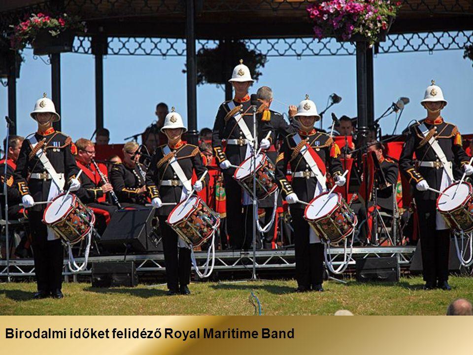 Birodalmi időket felidéző Royal Maritime Band