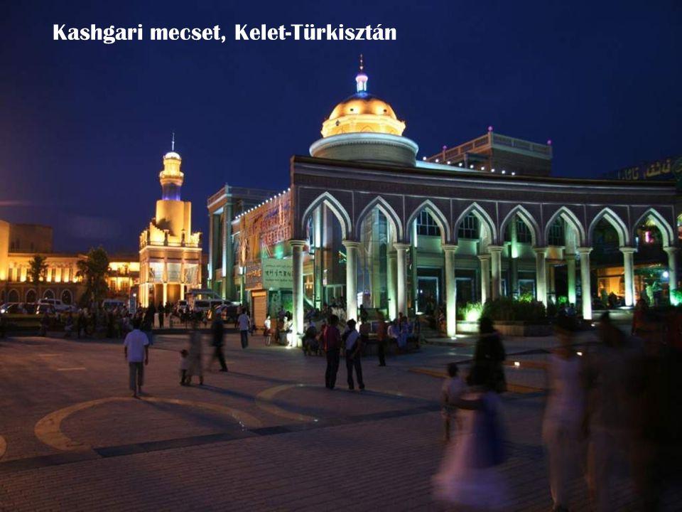 Kashgari mecset, Kelet-Türkisztán