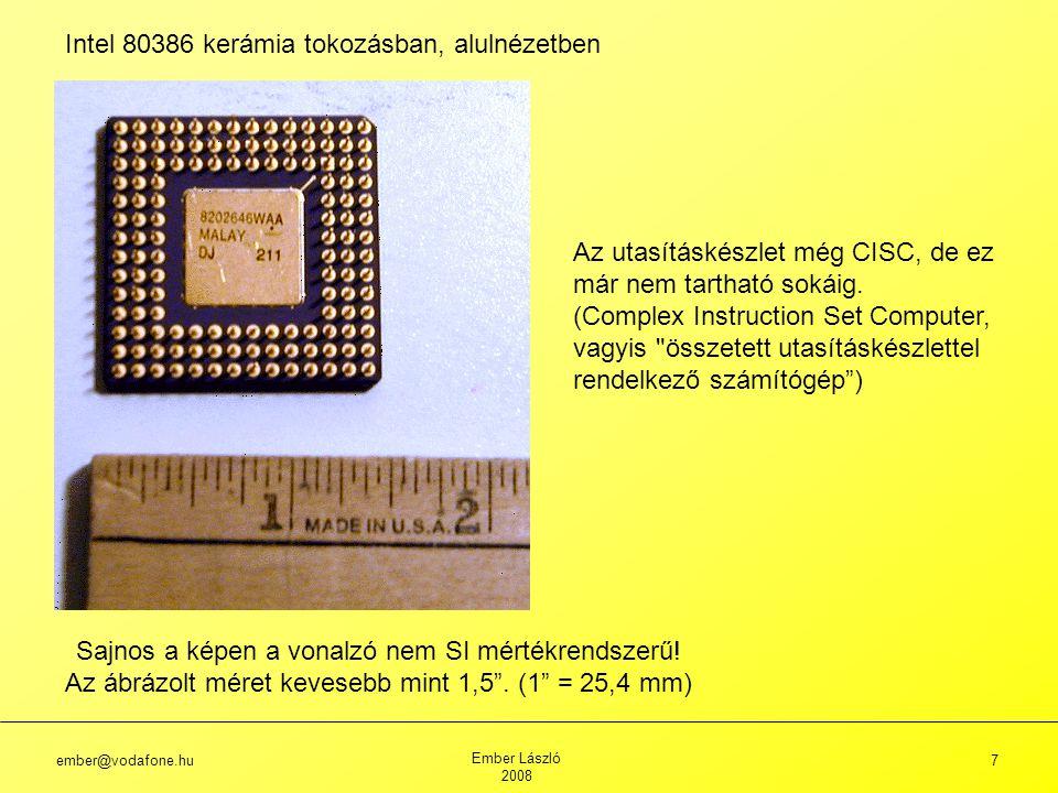 Intel 80386 kerámia tokozásban, alulnézetben