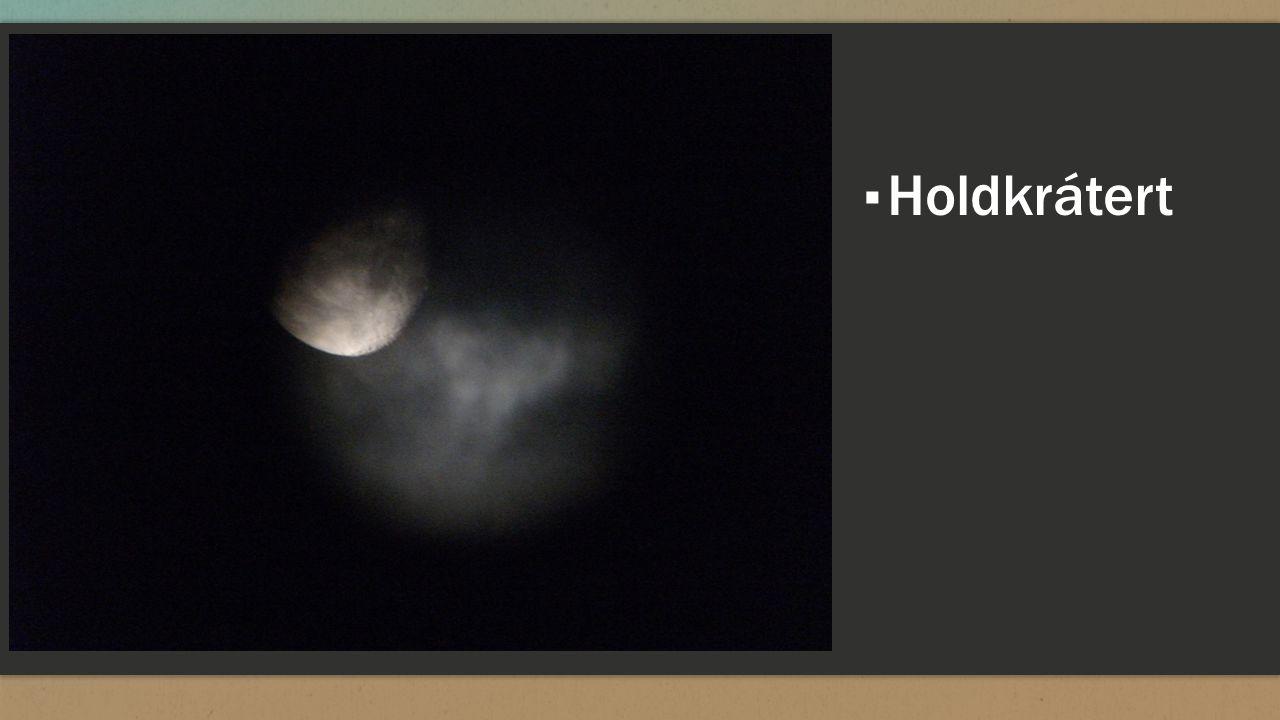 Holdkrátert amely közvetlenül az Alessandro Volta kráter mellett fekszik.