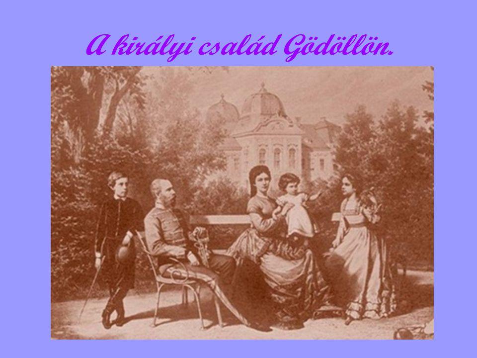 A királyi család Gödöllön.