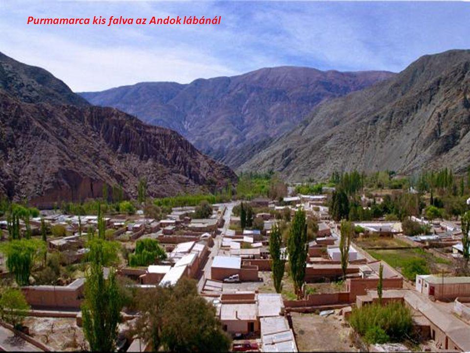 Purmamarca kis falva az Andok lábánál