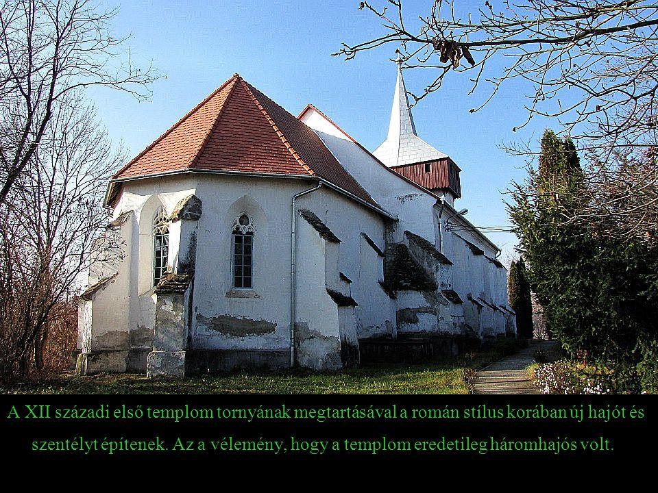 A XII századi első templom tornyának megtartásával a román stílus korában új hajót és szentélyt építenek.