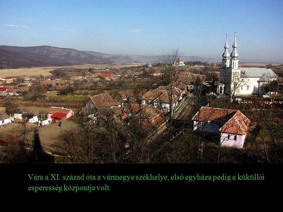 Vára a XI. század óta a vármegye székhelye, első egyháza pedig a küküllői esperesség központja volt.