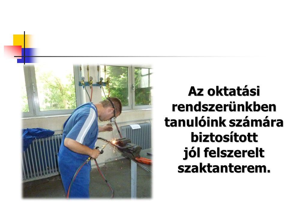 Az oktatási rendszerünkben tanulóink számára biztosított jól felszerelt szaktanterem.