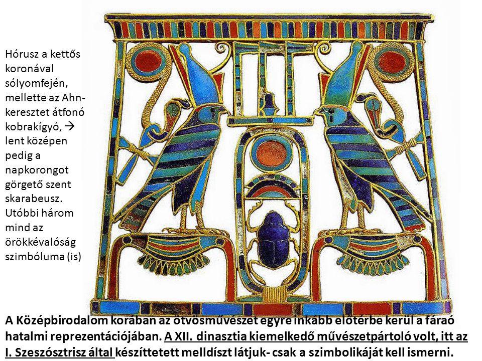 Hórusz a kettős koronával sólyomfején, mellette az Ahn- keresztet átfonó kobrakígyó, 