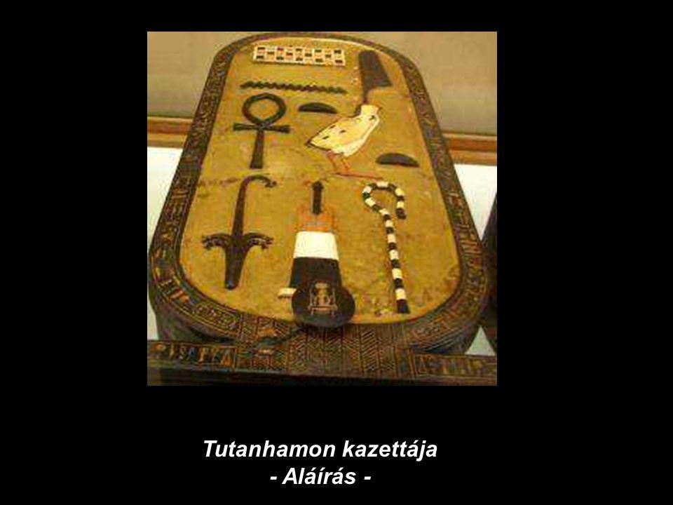 Tutanhamon kazettája - Aláírás -