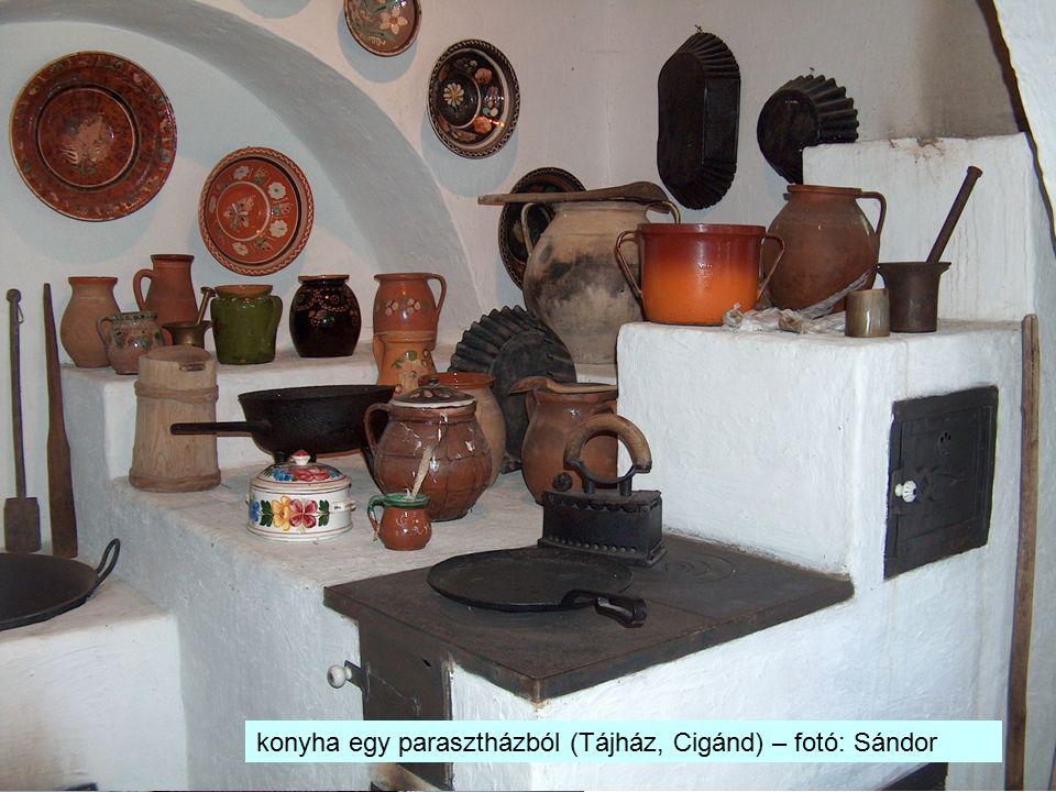 konyha egy parasztházból (Tájház, Cigánd) – fotó: Sándor