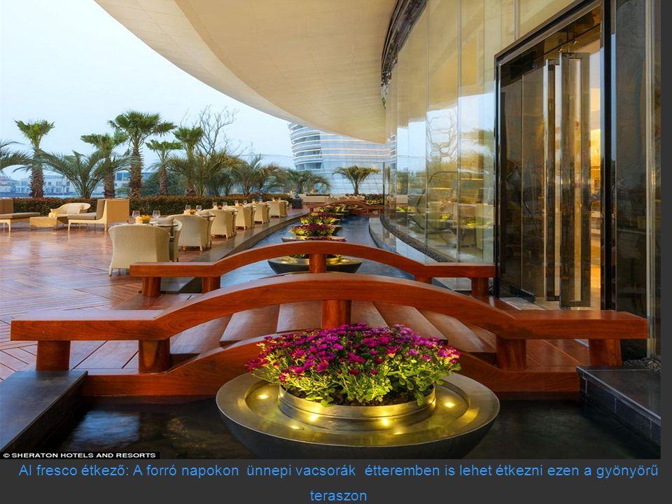 Al fresco étkező: A forró napokon ünnepi vacsorák étteremben is lehet étkezni ezen a gyönyörű teraszon