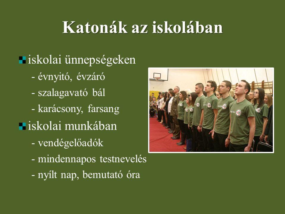 Katonák az iskolában iskolai ünnepségeken iskolai munkában