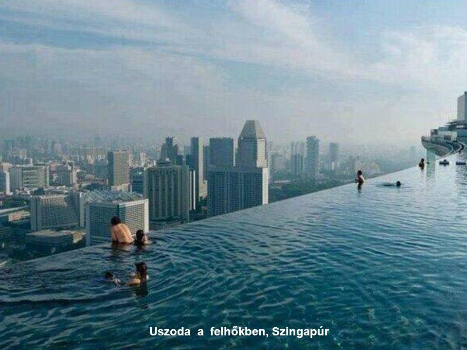 Uszoda a felhőkben, Szingapúr