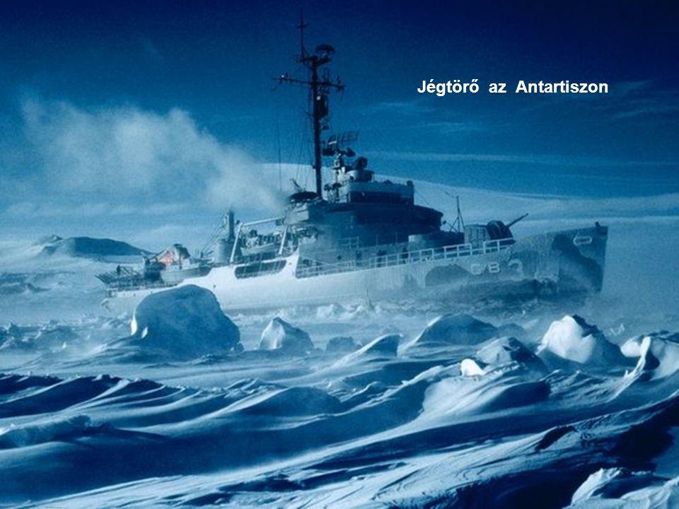 Jégtörő az Antartiszon