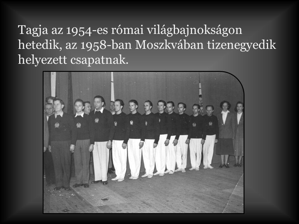 Tagja az 1954-es római világbajnokságon hetedik, az 1958-ban Moszkvában tizenegyedik helyezett csapatnak.