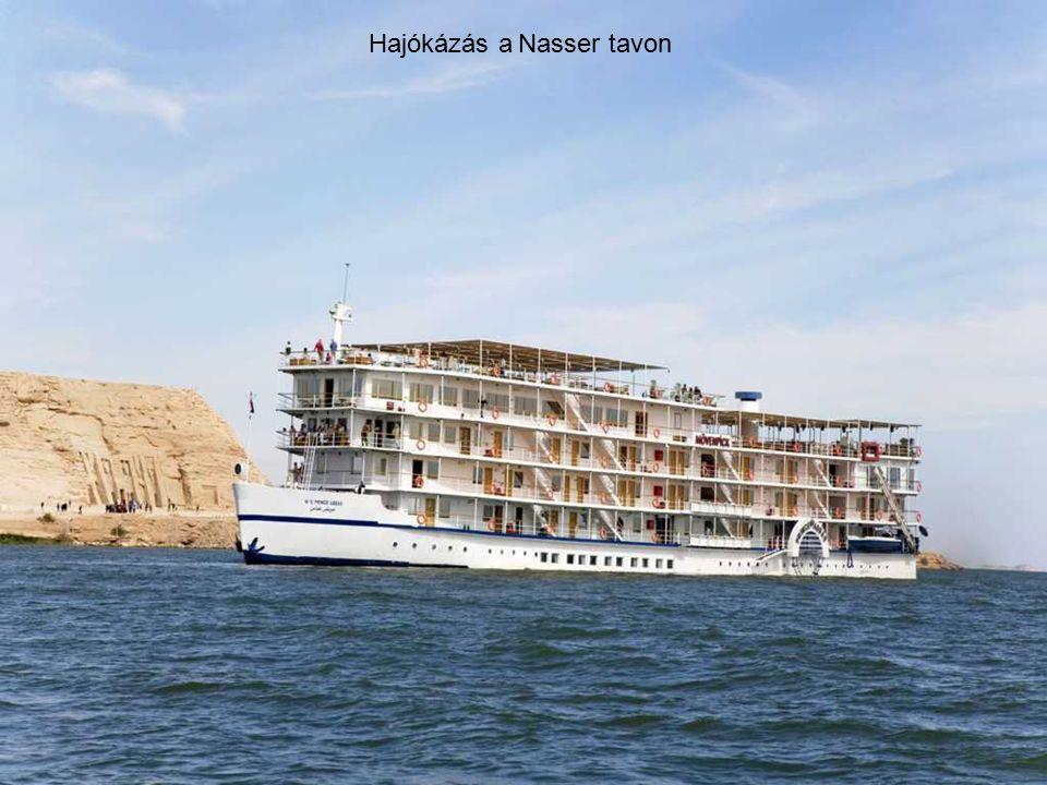 Hajókázás a Nasser tavon